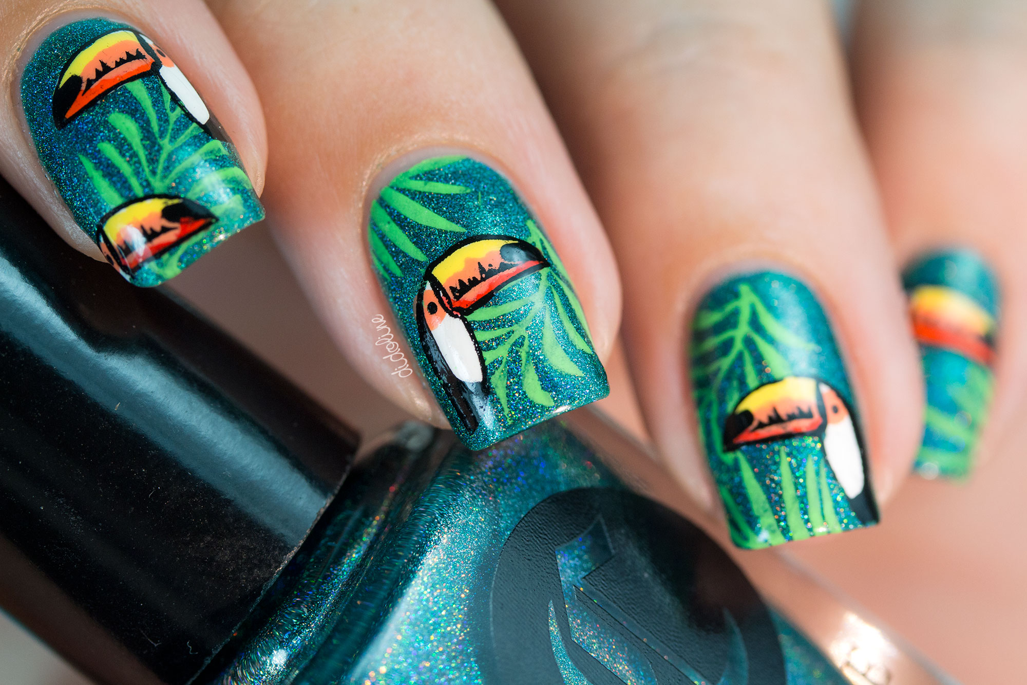 Cirque, La Tropicale - Toucan Nails - Tropical Nails