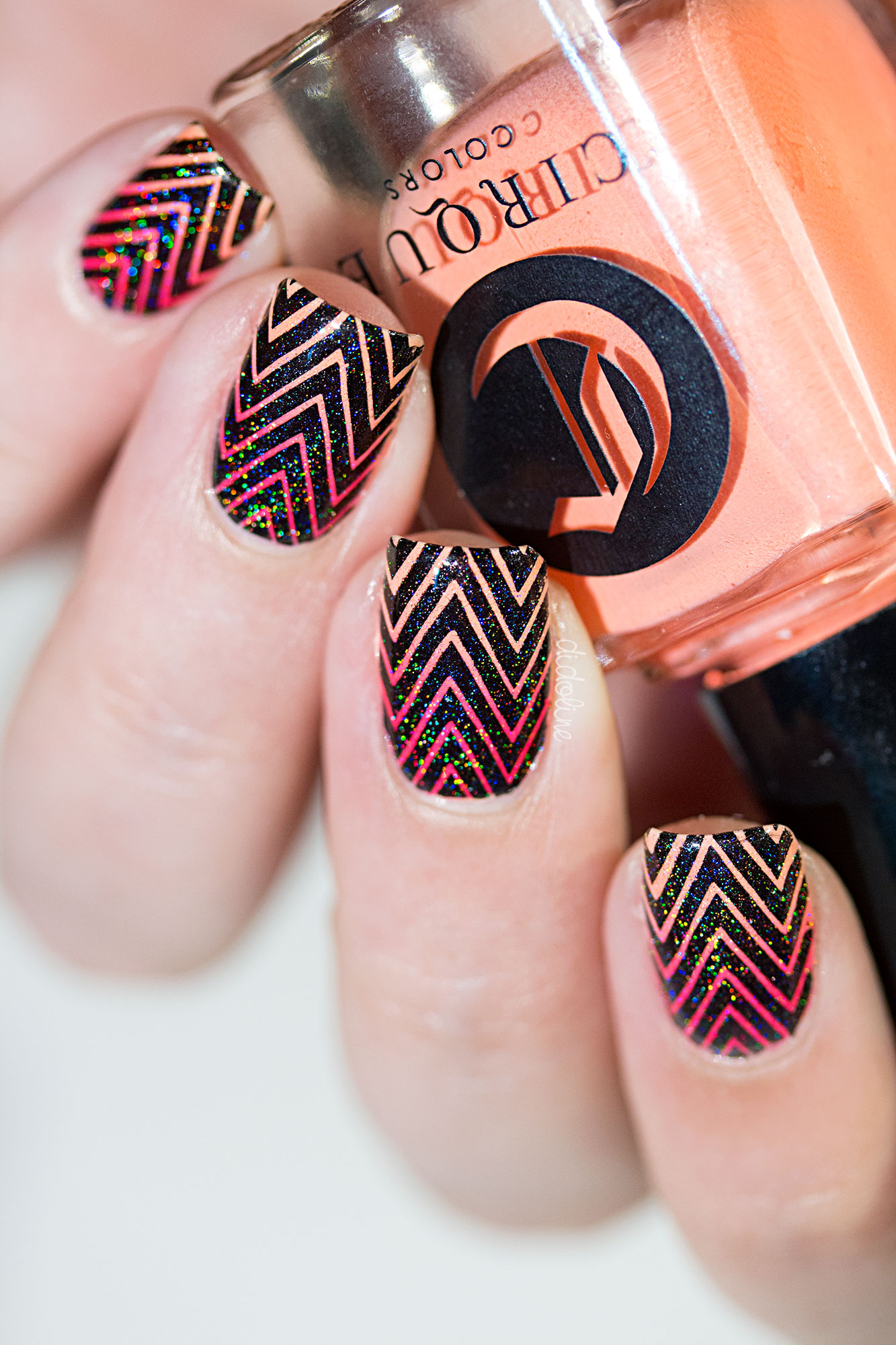Cirque-Gradient-Stamping-12